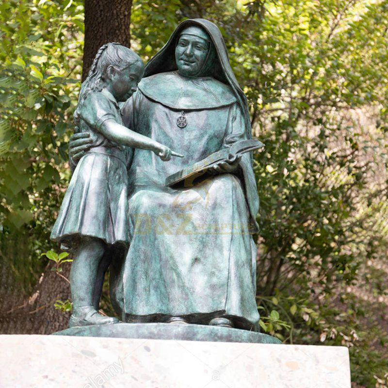 Customized Catholicism Nun bronze mother Teresa And Girl Statue