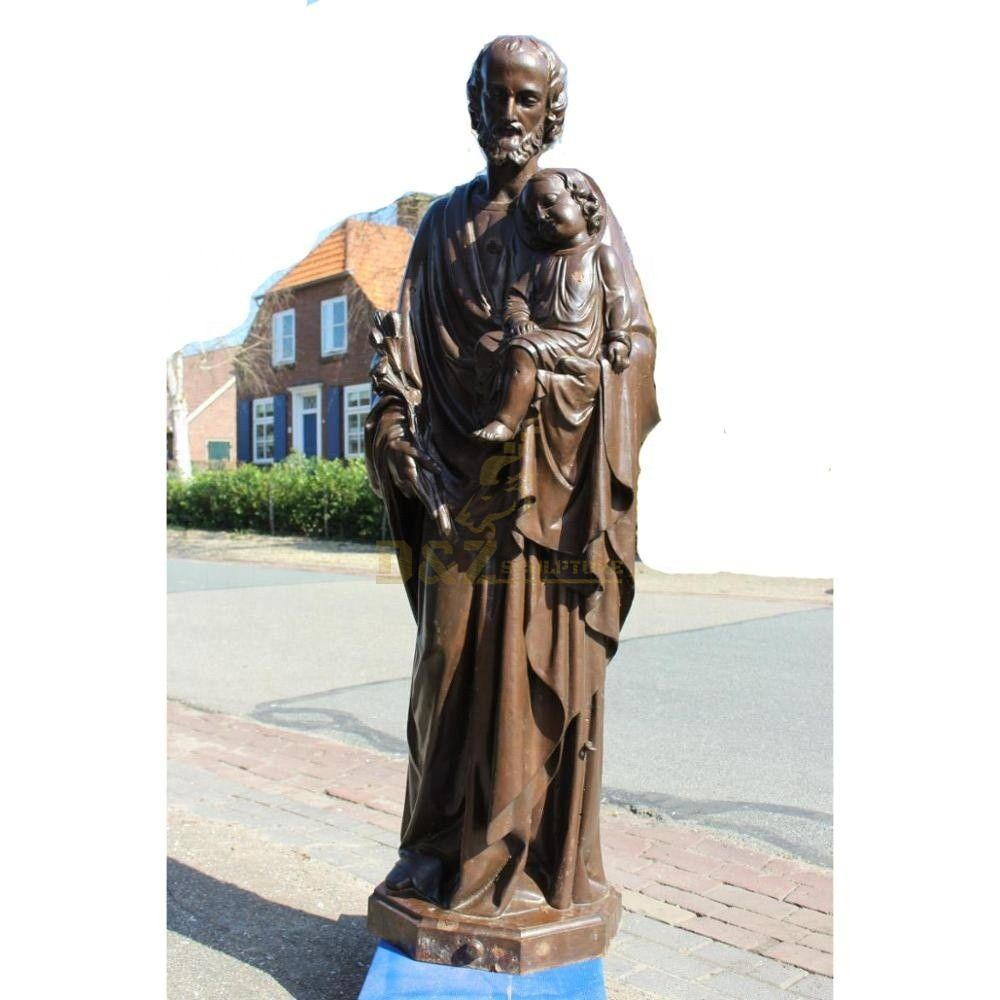 statues of Saint Joseph and Jesus