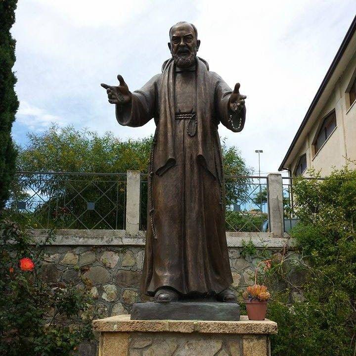 Famous bronze religious decoration San Padre Pio statue for sale