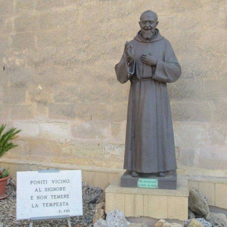 Hot Sale Religious Saint Padre Pio statue for decoration