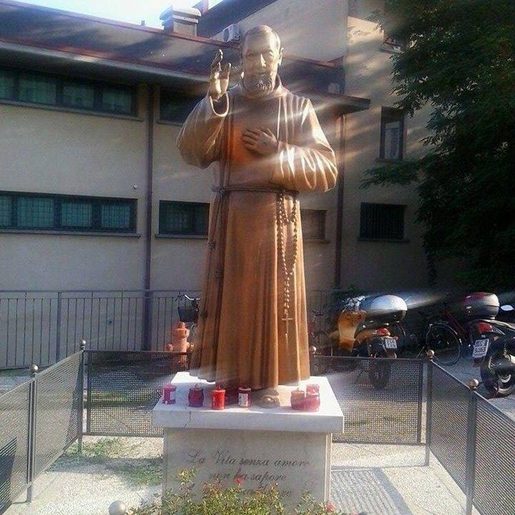 Life size popular design copper saint padre Pio for sale