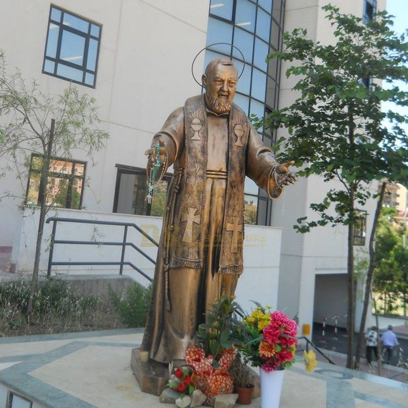 Hot selling outdoor bronze statue of St. Padre Pio