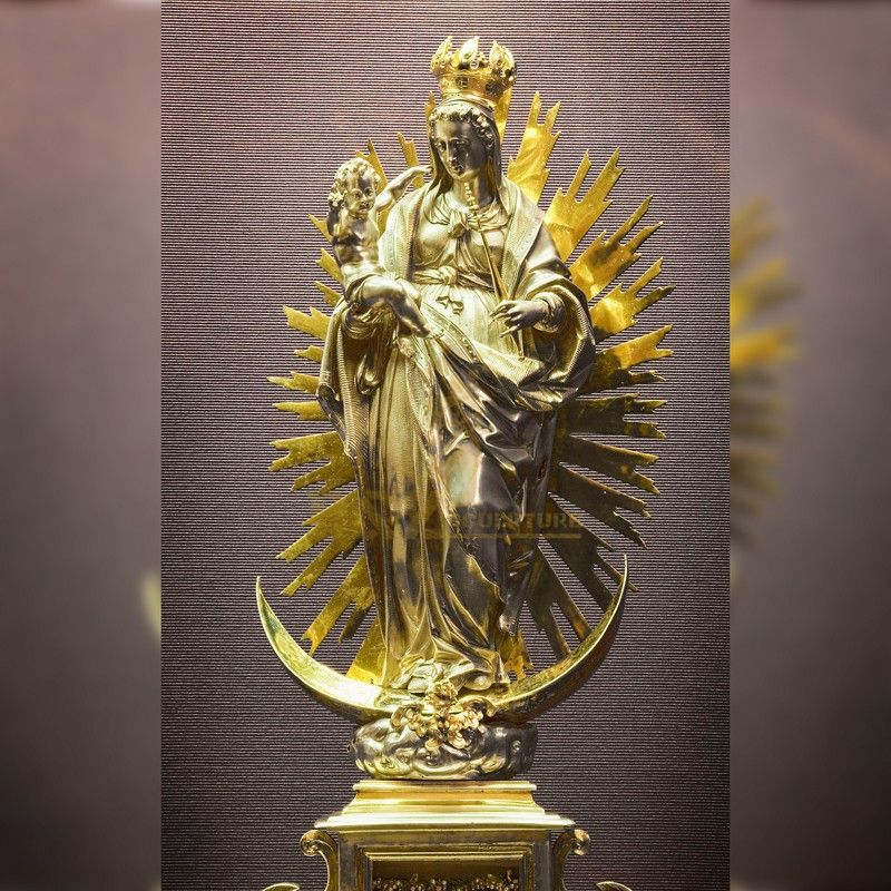 Exquisite religious decoration golden Virgin Mary holding Jesus statue for sale