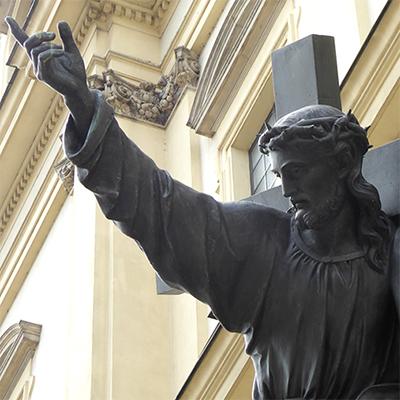 jesus cross sculpture