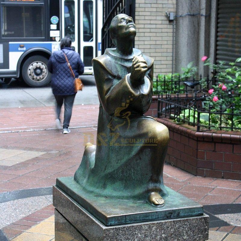 Hot Sale Modern Design Bronze Casting Francis Statue Garden Decoration