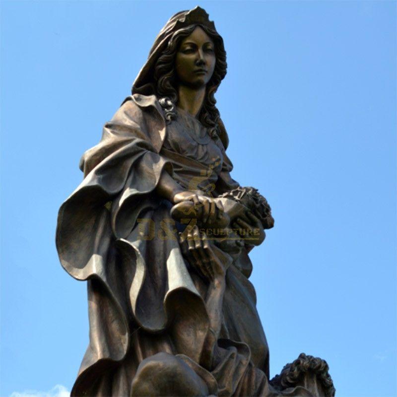 saint elizabeth statue