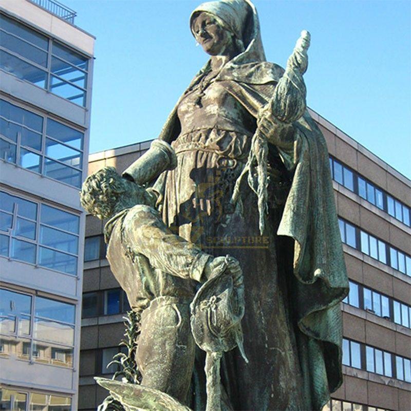 saint gertrude statue