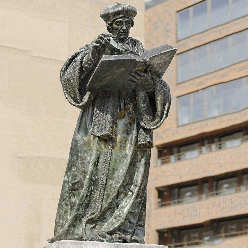 statue of Erasmus