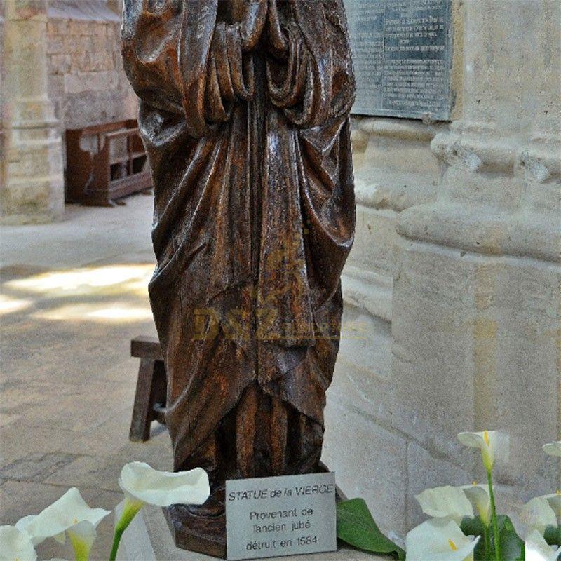 statue of saints