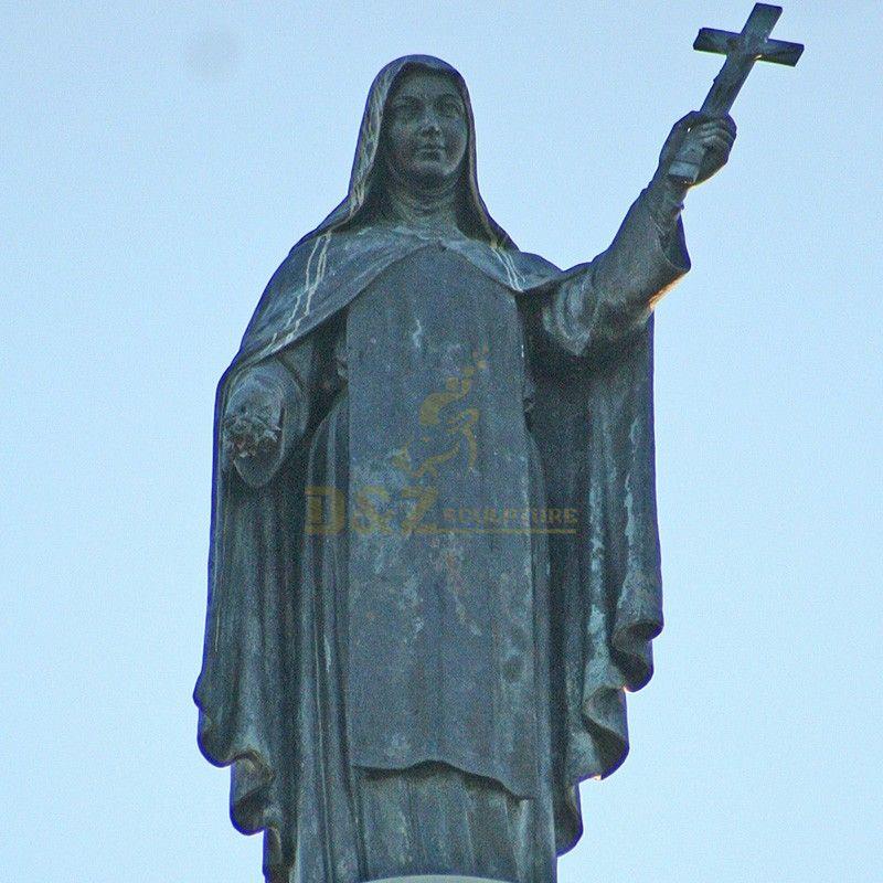Famous religious decoration bronze Saint teresa statue and cross garden decoration artwork
