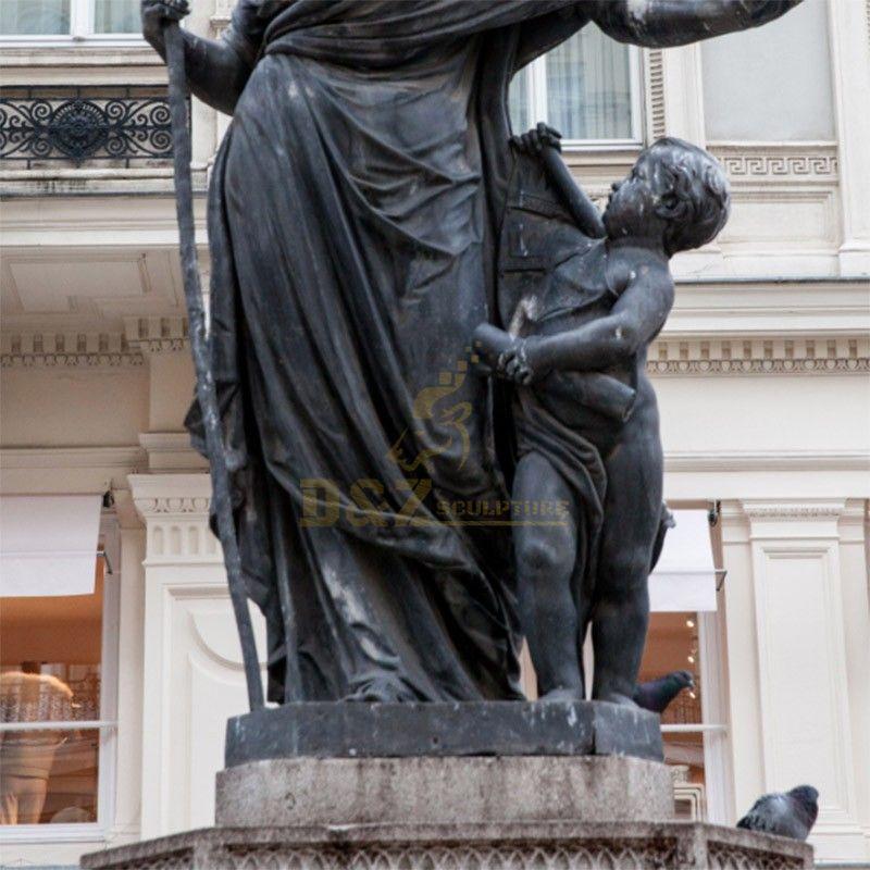 St Columbidae statue
