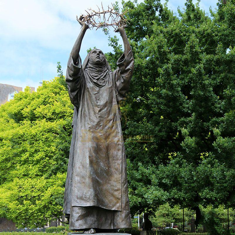 statue of Saint Catherine.jpg