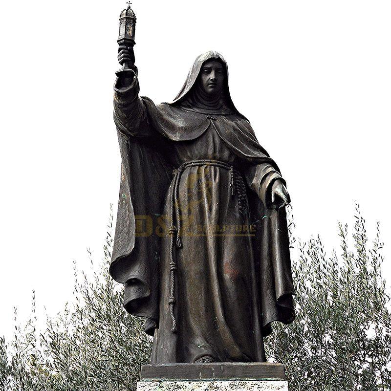 Bronze statue of Saint Clara.jpg